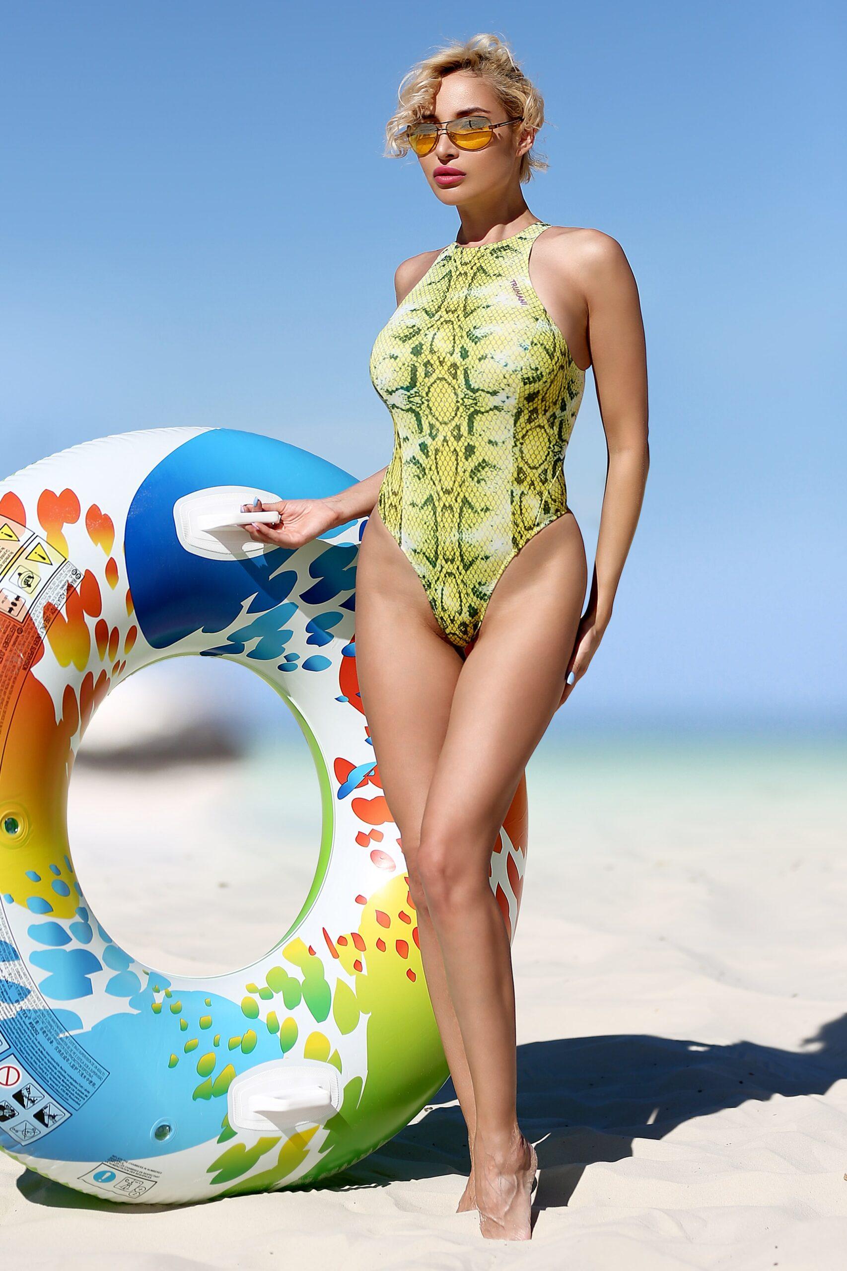 Sexy white bathing suit Thong swimsuit Cute high neck hot cheeky monokini Sport high cut leg bodysuit One piece women designer swimwear 2020